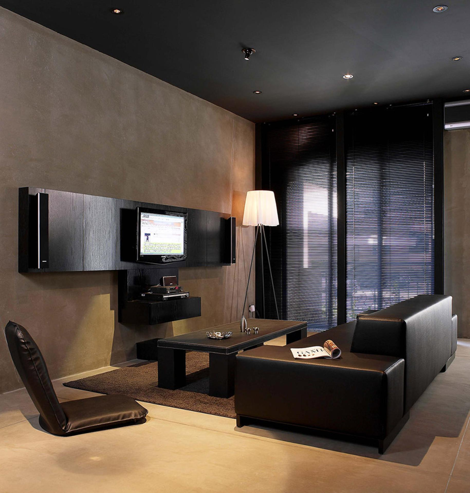 charming bachelor pad home design. Black Bedroom Furniture Sets. Home Design Ideas