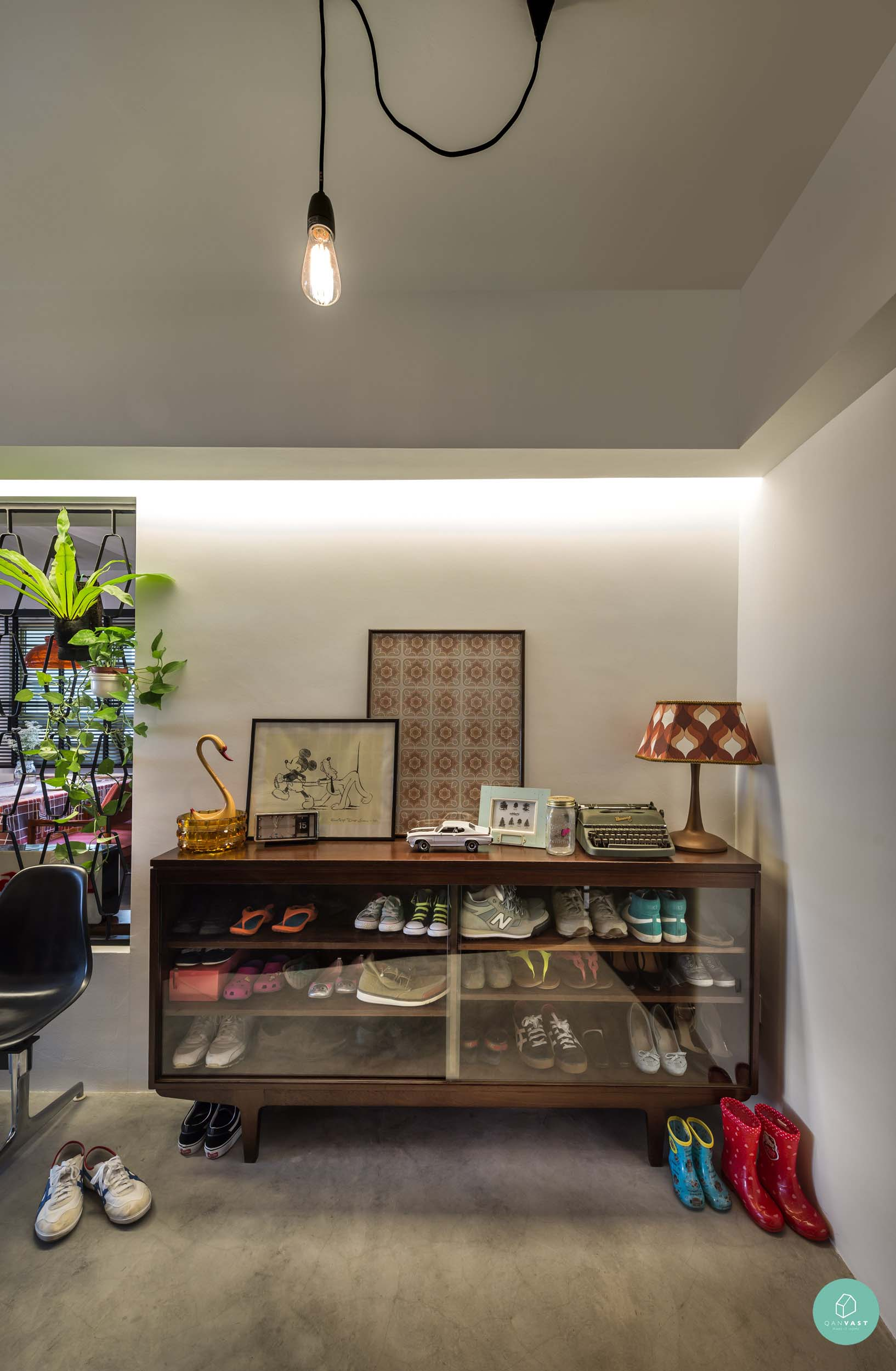 10 quirky crazy cool homes in singapore for Quirky interior accessories